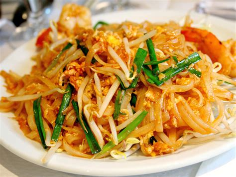 Beer Pairings: What to Drink with Pad Thai | Serious Eats