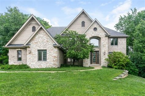 9009 Reserve Dr, Willow Springs, IL 60480 - realtor