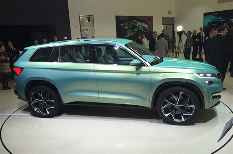 2017 Skoda Kodiaq: official new teaser pictures and video