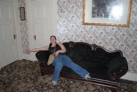 Amber and Andrew on the couch? - Picture of Lizzie Borden